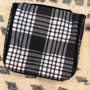 Thirty One, brand new, hanging travel case